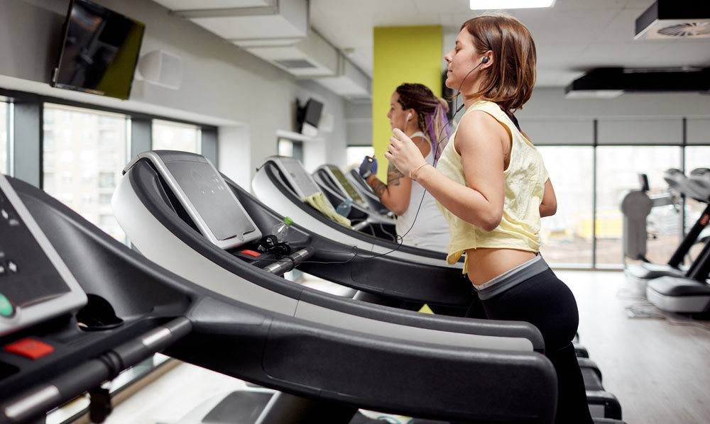 How to Use a Curved Treadmill